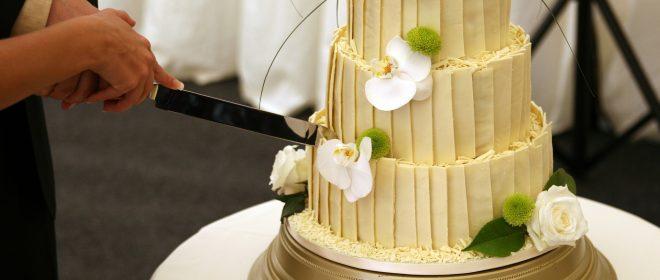 Pitanja koja morate pitati slastičara prije nego naručite vašu svadbenu tortu
